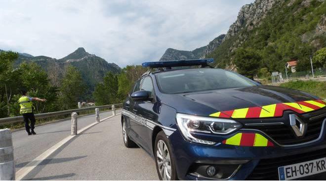 polizia francese foto fonte riviera24