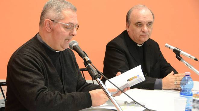 don claudio carena e il vescovo brunetti