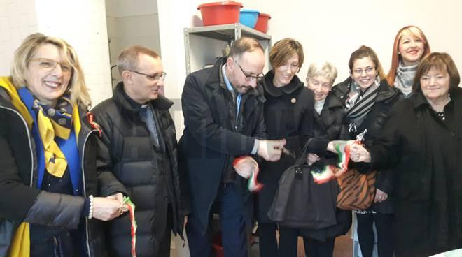 inaugurazione lavanderia casa delle donne