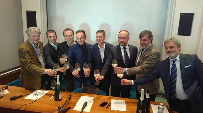 Conferenza consorzio Asti con Cirio