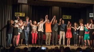 """Quando il teatro incontra la solidarietà: le """"SceneOscene"""" sul palco con """"La strana coppia"""""""