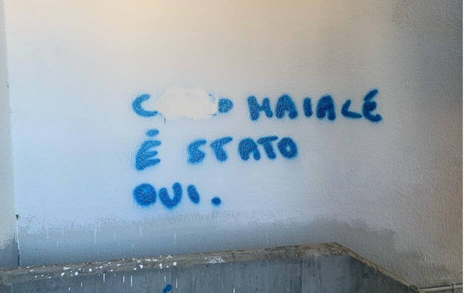 atti vandalici palazzetto via gerbi