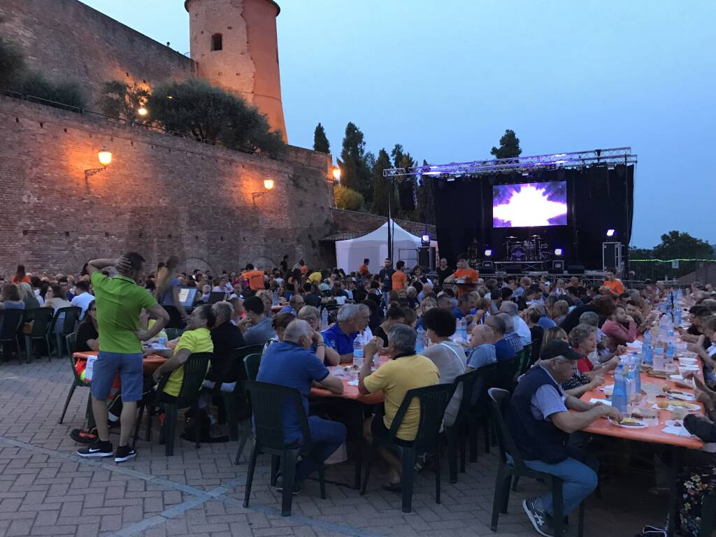 Festa patronale da record a Castelnuovo Calcea: sold out in tutte le sere