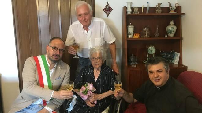 Festa 106 anni teresina Torchio