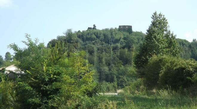 resti castello di marmorito