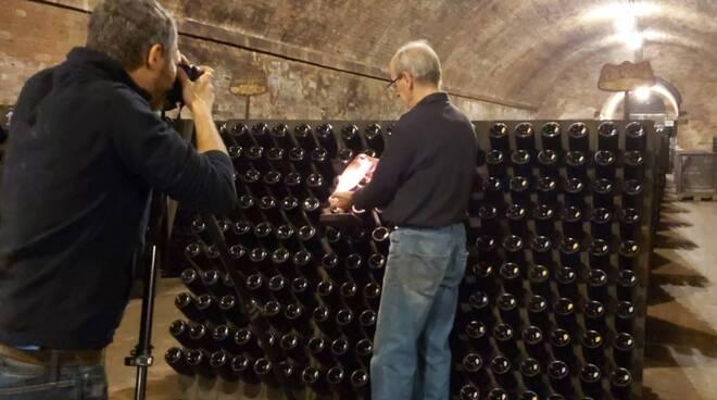 fotografo nelle cattedrali sotterranee