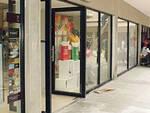 porte aperte nei negozi