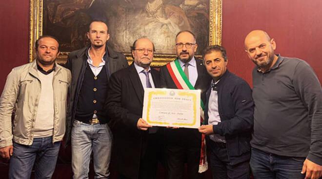 al Comune di Asti la targa di Assoalbania Piemonte