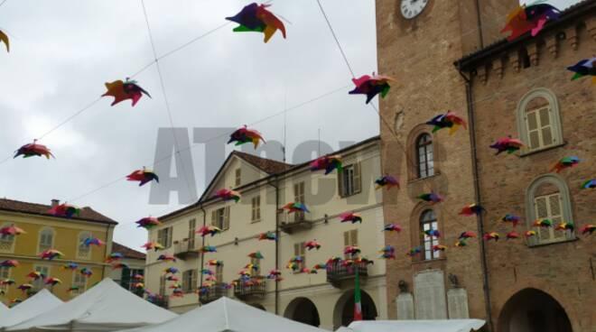 Il maltempo non ferma la plurisecolare Fiera di San Carlo a Nizza Monferrato