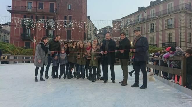 Inaugurazione pista ghiaccio 2019