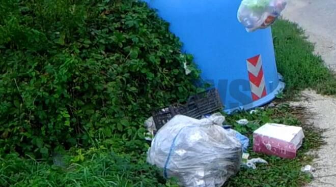 Nizza: fototrappole contro l'abbandono dei rifiuti. Già una cinquantina i sanzionati