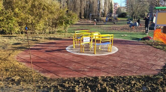 giostrina inclusiva Parco Biberach