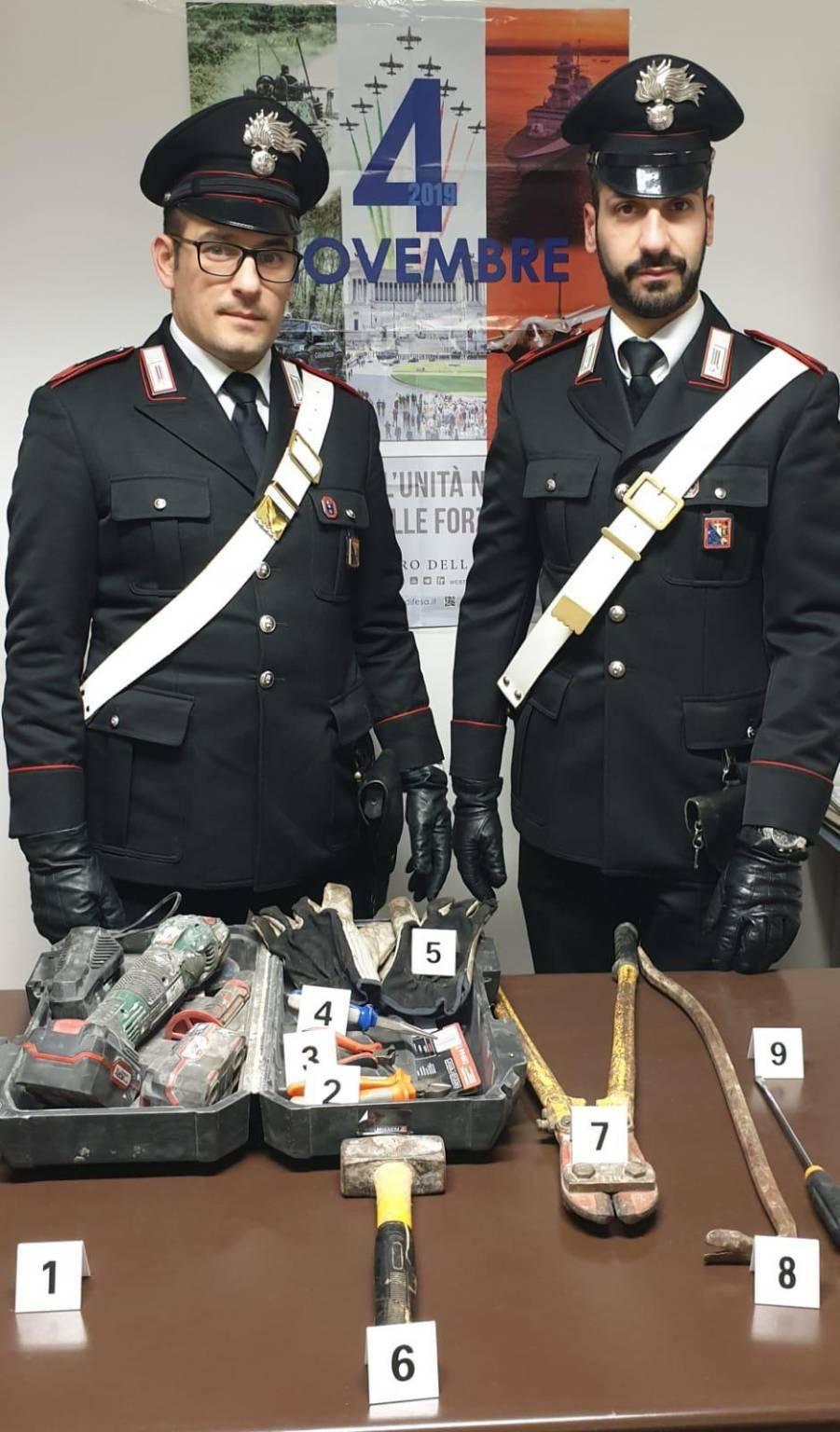 armi e attrezzi da scasso refrancore carabinieri