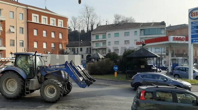 camion bloccato rotonda corso torino