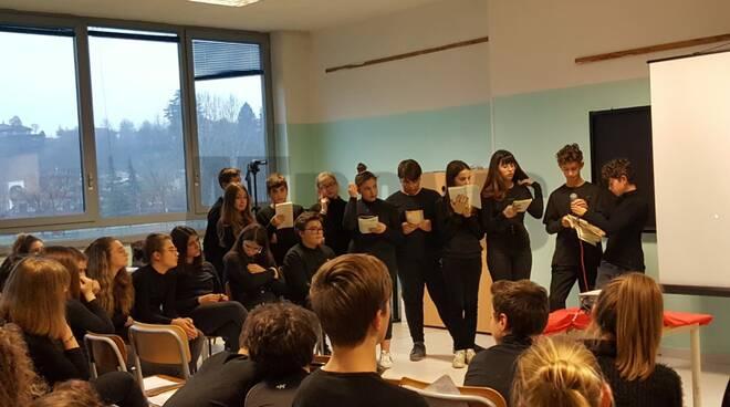 Film, musica e libri per non dimenticare: così gli studenti di Nizza commemorano la Shoah