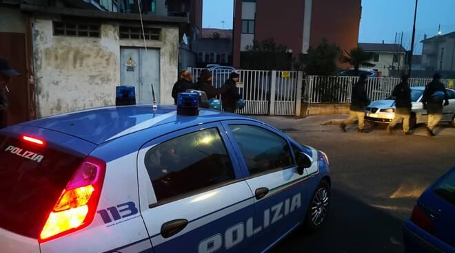 controllo polizia via secondo pia