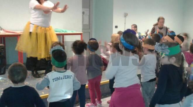 Festa di carnevale alla scuola dell\'infanzia De Benedetti.