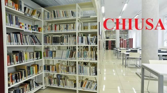 biblioteca chiusa