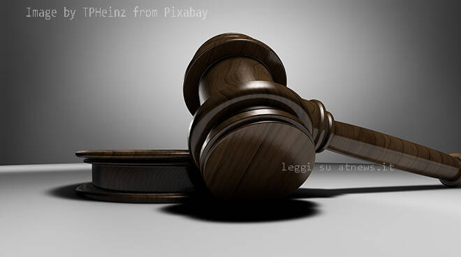 martelletto, giudice, sentenza, giuria,