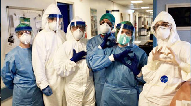 Nursing Up dona 4.000 tute anticontaminazione alle regioni più colpite