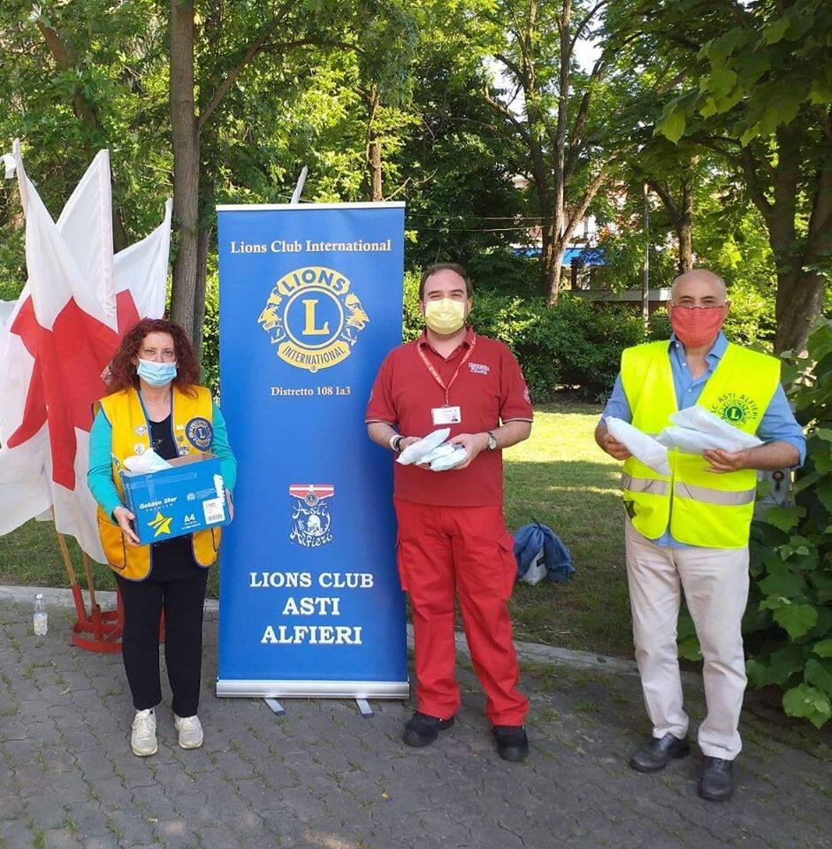 donazione mascherine a Croce Rossa da Lions Alfieri