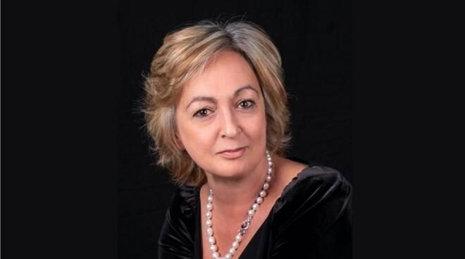 Elena Loewenthal