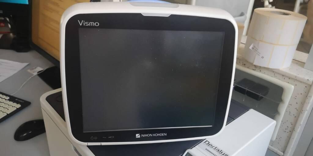 Monitor donato da cubo a ospedale Asti