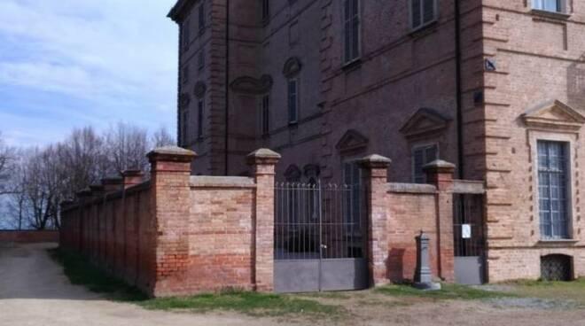 muro castello govone