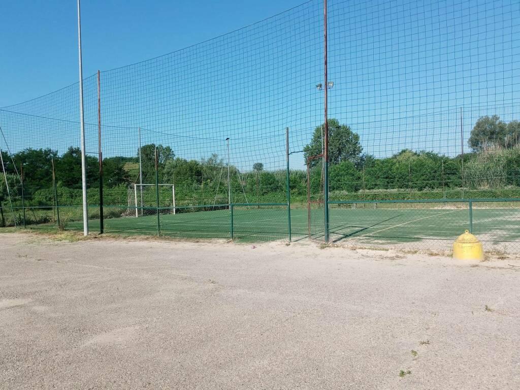A Castelnuovo Belbo due bandi di gara per l'edicola e il centro sportivo