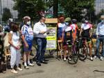 Alba: la ciclista dei record Paola Gianotti ha fatto tappa in città con il suo Giro del Piemonte
