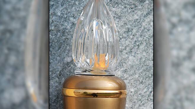 Asti, attivo lo sportello Asp per l'illuminazione votiva nei cimiteri astigiani