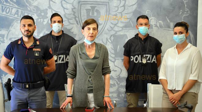 Asti, la Polizia scopre l'autore dei furti nei dehors: arrestato dopo un inseguimento in zona Valgera