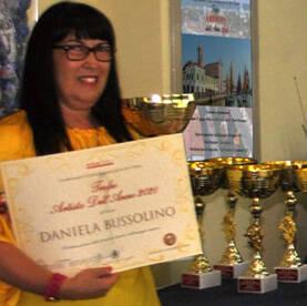 daniela bussollino premiata con ii Trofeo Artista dell'Anno 2020