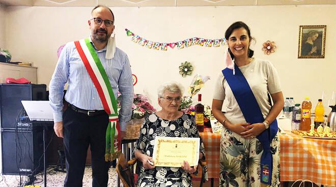 Festeggiata ad Asti la centenaria Maddalena Martini