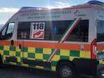 Fiocco rosa sull'ambulanza della Croce Verde di Nizza Monferrato