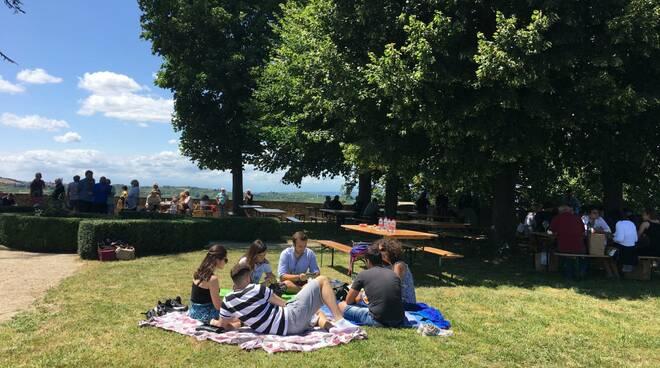 picnic calosso cena panoramica