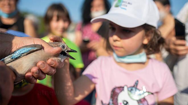 """Molti bambini hanno partecipato alla Liberazione Volatili del territorio nella """"Settimana europea della mobilità 2020"""""""