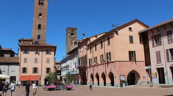 palazzo comune alba piazza risorgimento