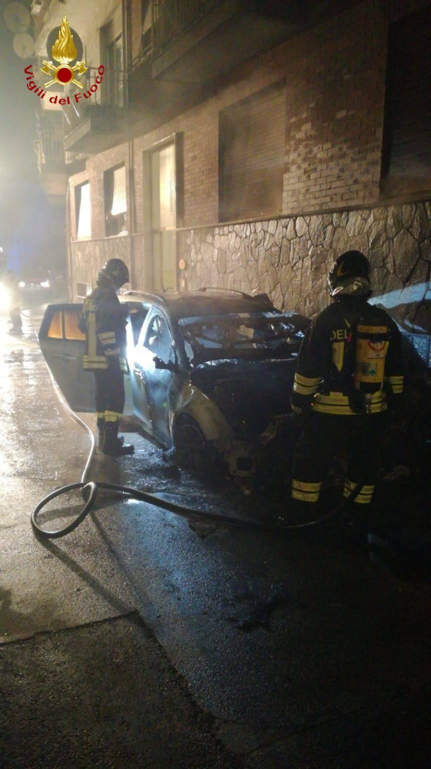 incendio auto via san martino asti