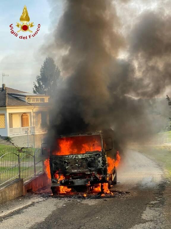 incendio camion castel rocchero