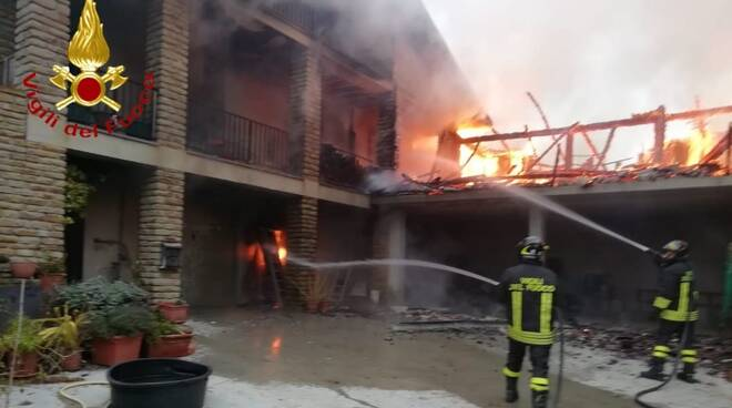 incendio villa cassinasco