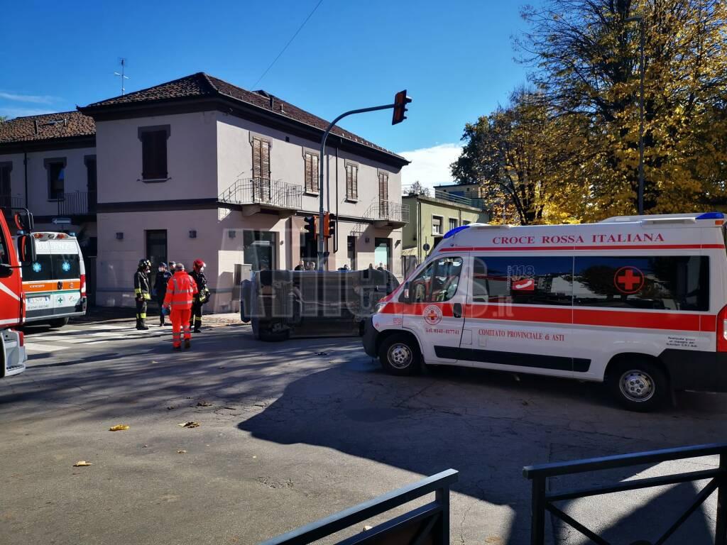 incidente incrocio corso ferraris e via pietro chiesa