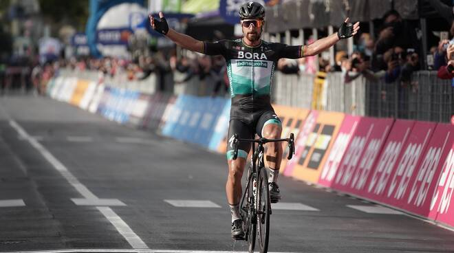 peter sagan vince 10a tappa giro d'italia 2020