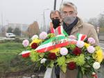 Alba: corona di fiori nel fiume Tanaro per ricordare le vittime dell'alluvione del 1994
