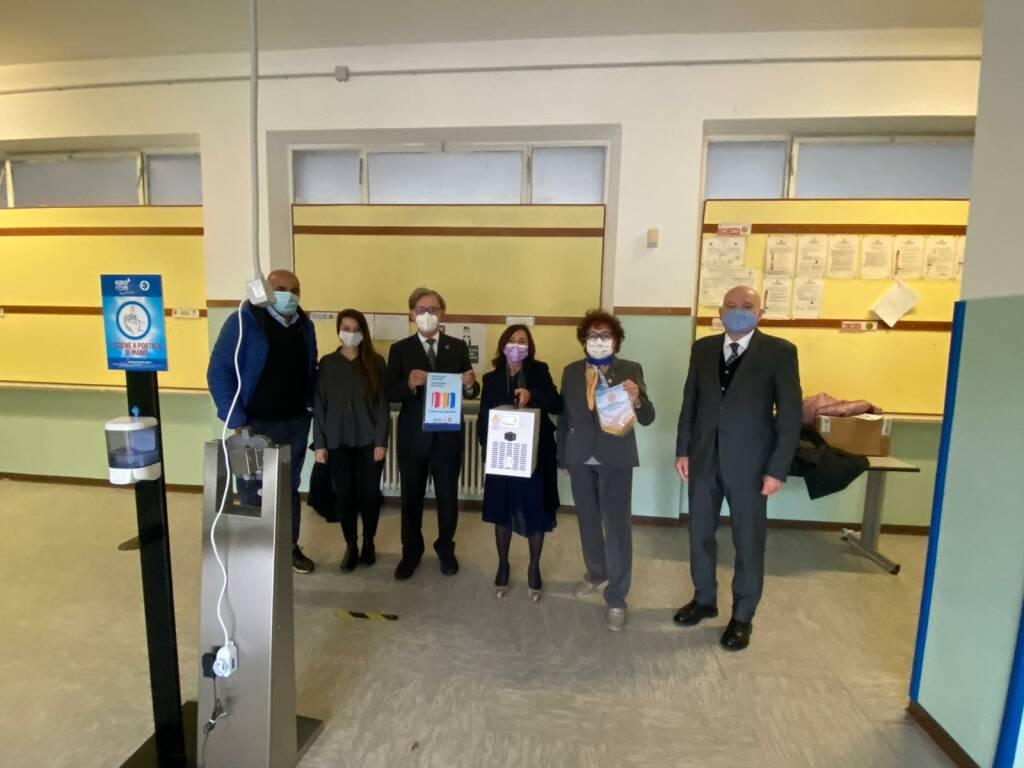 consegna sanificatori scuole rotary club nizza canelli