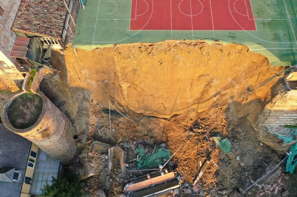 crollo muro moncalvo