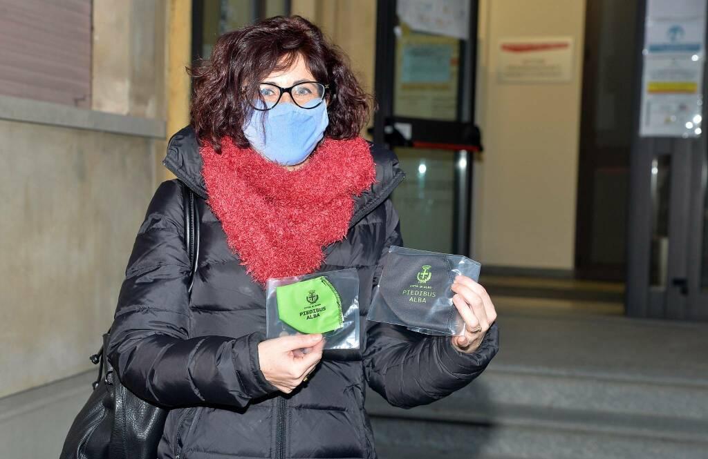 donazione mascherine comune alba studenti piedibus