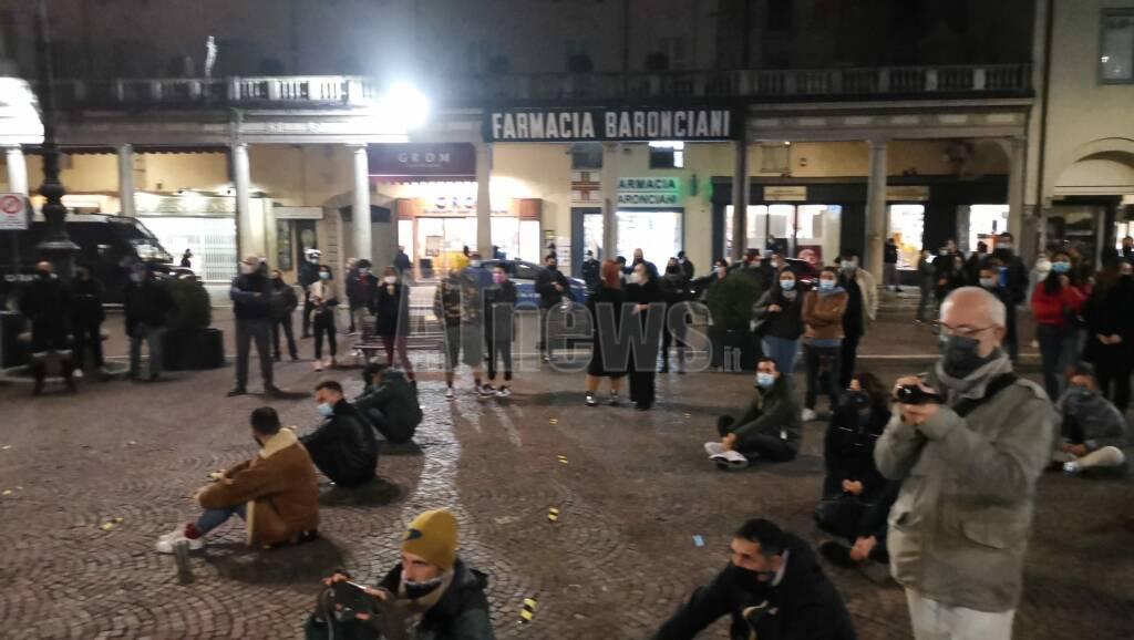 Manifestazione pacifica delle attività chiuse dal DPCM ad Asti