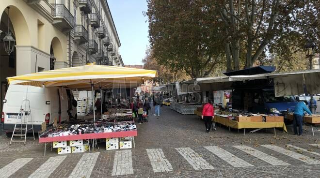 Mercato ridotto Asti per zona rossa Piemonte 07/11/2020