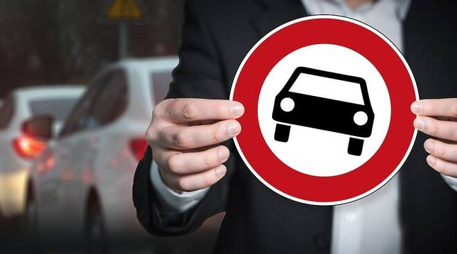 stop auto limitazioni antismog Foto di Gerd Altmann da Pixabay